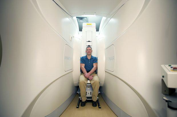 lapband-blog-Open-Upright-Patient-Sitting-Far